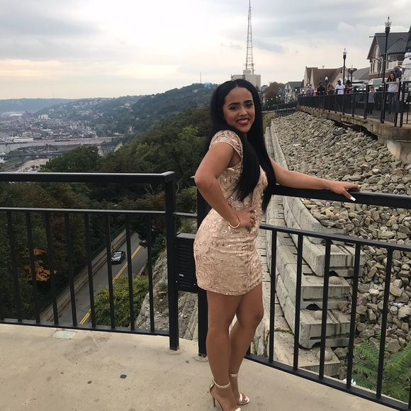 PromGirl Dresses & Skirts - gold dress